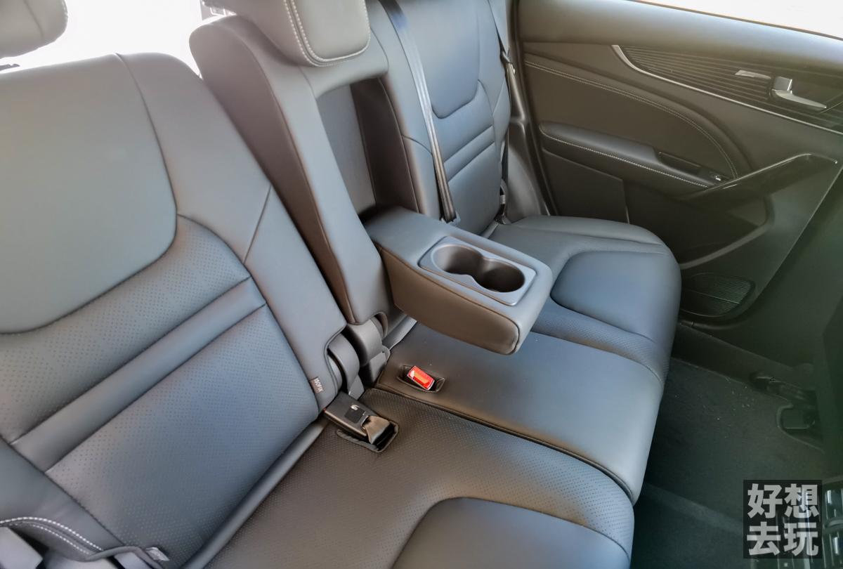 格上租車 Luxgen URX